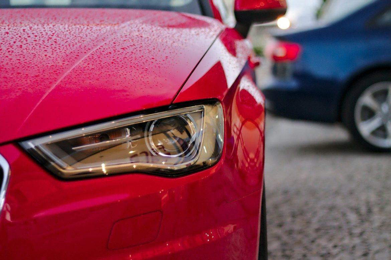 Az autóbérlés menete és előnyei